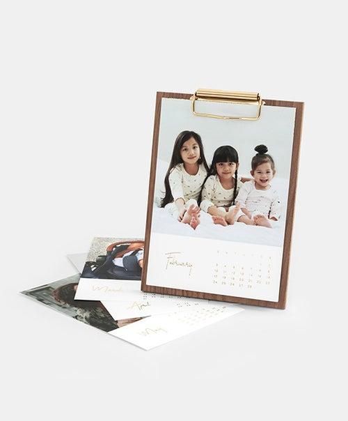 Walnut Desktop Calendar-img